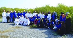 استقبال المشاركات في معسكر الفتيات بنزوى وغدا الافتتاح الرسمي
