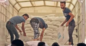 عشرات السوريين يعودون لمناطقهم المحررة بأرياف حلب وإدلب وحماة