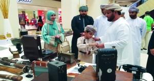 افتتاح معرض الموروث الشعبي ضمن برنامج شبابي بمسقط