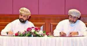 """""""السياحة"""" و""""عمانتل"""" توقعان اتفاقية الشراكة الاستراتيجية للبنية الأساسية لقطاع الاتصالات"""