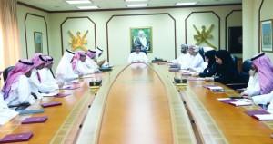 بحث تعزيز التبادل التجاري والاستثماري بين السلطنة والسعودية