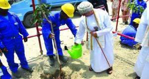 وضع حجر الأساس لمركز تدريب انتاج المنسوجات والقطنيات بالمنطقة الحرة بصحار