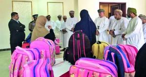 """جمعية المرأة بالحمراء تتبنى مشروع """"صناعة الحقائب المدرسية"""""""