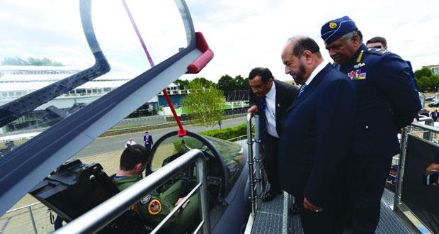 الوزير المسؤول عن شؤون الدفاع يشارك في افتتاح معرض فانبرة الدولي للطيران في لندن