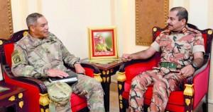 استعراض وجهات النظر العسكرية المشتركة بين السلطنة واميركا