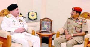 بحث التعاون العسكري بين السلطنة وباكستان