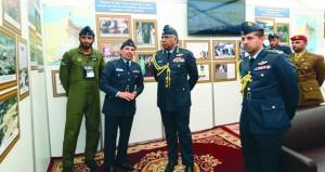 سلاح الجو السلطاني العماني يشارك في المعرض الدولي للطيران