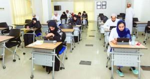 المجلس العماني للاختصاصات الطبية يجري عددا من الامتحانات المقررة للأطباء المقيمين