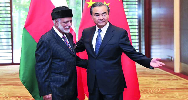 ابن علوي يجري محادثات مع نظيره الصيني في بكين
