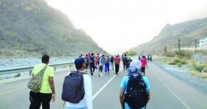 فريق البواسل للمغامرات الجبلية ينفذ مسيرا على الأقدام حتى منفذ حتا الإماراتي