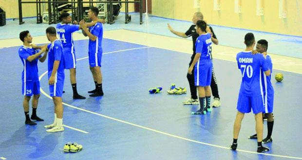 منتخبنا الوطني للشباب لكرة اليد يواصل تدريباته المكثفة بمجمع السعادة