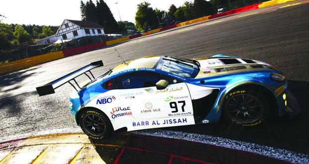 فريق عمان لسباقات السيارات يسجل أفضل توقيت وينطلق سابعا في الكأس الفضية