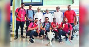 بطل طائرة الشاطئية العربية يعود إلى السلطنة