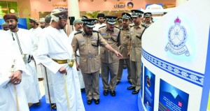 شرطة عمان السلطانية تفتتح المعرض المروري التوعوي في نسخته الثانية
