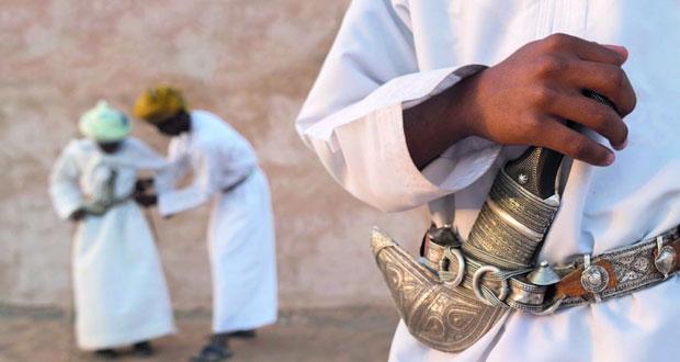 """هيثم الفارسي يقدم حلقة عمل""""التكوين وصناعة الصور الفنية""""بولاية صور"""