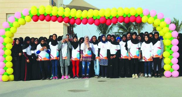"""تحت شعار """"صحتك في المشي"""" وزارة الشؤون الرياضية تنظم يوما للمشي الجماعي لسيدات المصنعة"""