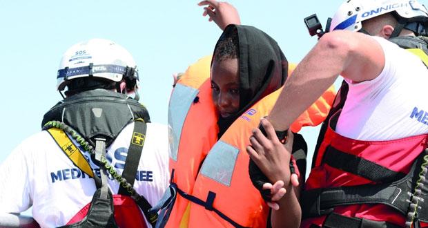 إنقاذ 141 مهاجرا قبالة ساحل ليبيا