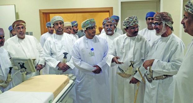 تدشين مختبر قسطرة القلب الثاني في مستشفى السلطان قابوس بصلالة