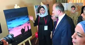 """فنانو السلطنة يقدمون التنوع الثقافي والفني لعُمان في معرض """"فنانون حول العالم""""بتركيا"""