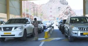 ضابط بمركز شرطة الجبل الأخضر: أهمية التأكد من صلاحية ناقل الحركة الغيار الثقيل
