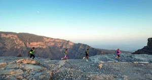 """تواصل التسجيل في تحدي الجري الجبلي """"ألترا تريل مون بلانك"""" العالمي لمسافة 137 كم"""