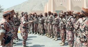 التوجيه المعنوي ينظم زيارات للمعسكرات والمواقع الحدودية بمسندم