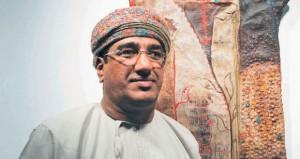 فتنة الخيش … قراءة في معرض «أغنيات للشمس» للفنان العماني موسى عمر