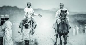 السلطنة تحصد الميدالية الذهبية في بينالي الطبيعة للتصوير الضوئي والشرفية في التصوير بالأسود والأبيض بجنوب إفريقيا