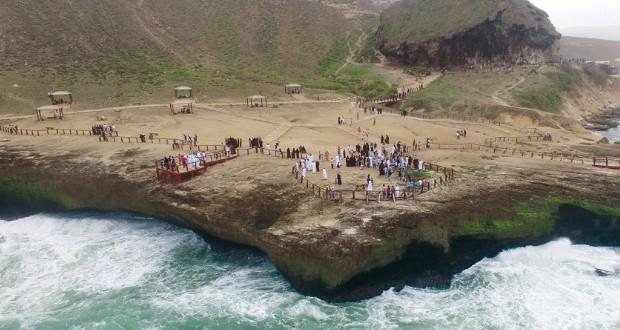 زوار موسم صلالة السياحي يقتربون من حاجز 600 ألف زائر