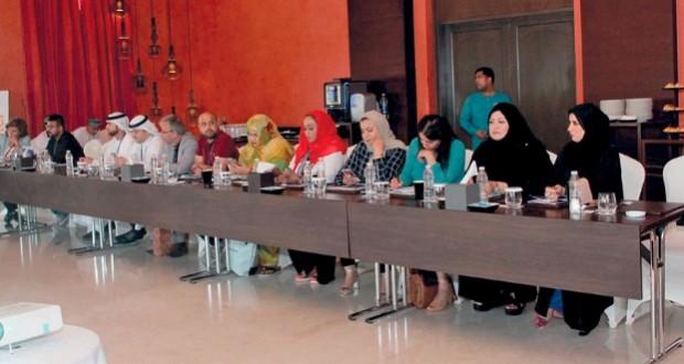 """المشاركون في ملتقى الإعلام العربي يطلعون على تجربة السلطنة في التعاطي مع """"ميكونو"""" إعلاميا"""