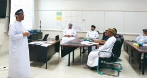 المديرية العامة للتربية والتعليم بظفار تنهي استعداداتها الإدارية والفنية لاستقبال العام الدراسي الجديد