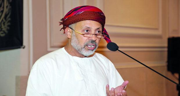 سعيد الصقلاوي يبيّن قواعد اعتبار العمارة العمانية تراثا ثقافيا ويؤكد أن العمارة مرآة حضارية عاكسة لثقافة الإنسان