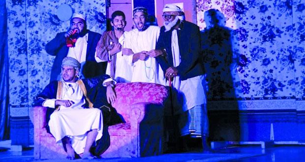 """مسرح الطموح يقدم حلولا لقضايا مجتمعية عبر مسرحية """"الخطة"""""""