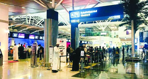 مطار مسقط الدولي يسجل رقمًا قياسيًّا في عدد المسافرين لأول مرة في تاريخه