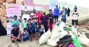 مبادرة مجتمعية لتنظيف ميناء الصيد البحري بصور