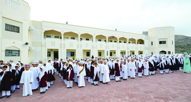 (التربية والتعليم) تواصل جهودها في انشاء المدارس بمختلف محافظات السلطنة