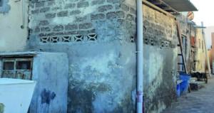 بلدية مسقط تواصل جهودها للقضاء على ظاهرة المنازل المهجورة