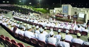 تواصل الأسبوع التعريفي لطلبة الدفعة (الثالثة والثلاثين) بجامعة السلطان قابوس