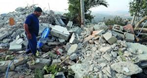 الاحتلال يهدم منزل شهيد فلسطيني برام الله .. ويصعد اعتداءاته بأنحاء الضفة المحتلة