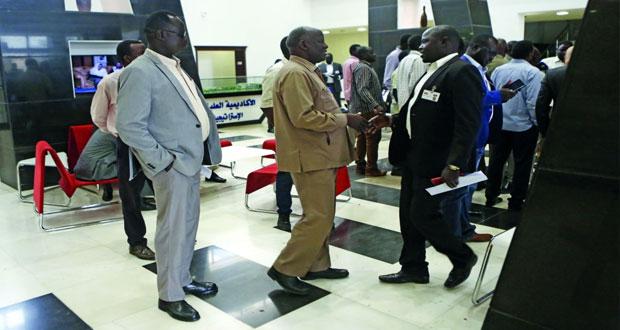 الخارجية السودانية: رياك مشار يوقع اليوم اتفاق السلام مع حكومة الجنوب