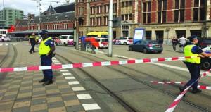 جريحان طعنا بهجوم في محطة قطارات بهولندا
