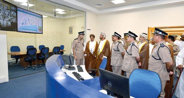 شرطة عمان السلطانية تحتفل بافتتاح مركز شرطة عوقد في صلالة