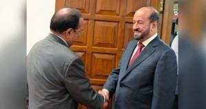 الوزير المسؤول عن شؤون الدفاع يلتقي مستشار الأمن الوطني الهندي