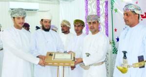 تكريم الطلاب المتفوقين دراسيا بوادي بني خالد