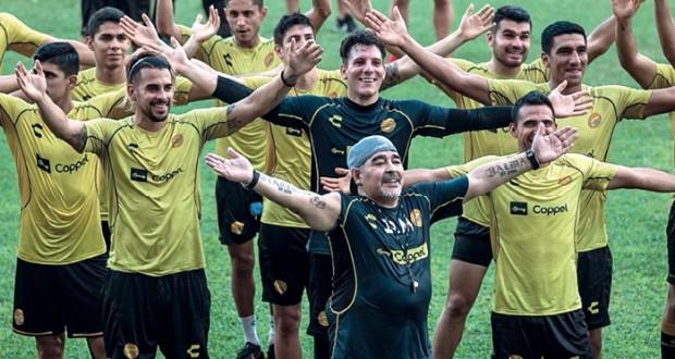 """مارادونا يبحث عن ولادة جديدة في عرين الكارتل بعد أعوام طويلة من """"المرض"""""""