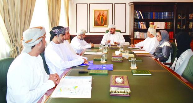 مناقشة الإطار المؤسسي لمشاركات السلطنة الخارجية بوزارة التراث والثقافة