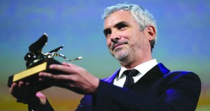 """""""روما"""" للمخرج ألفونسو كوارون يفوز بالأسد الذهبي في مهرجان البندقية السينمائي"""