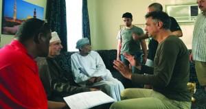 """""""مجرد لحظات"""" .. مسلسل عماني يقدم صور المجتمع النمطية بطرق جديدة مبتكرة"""