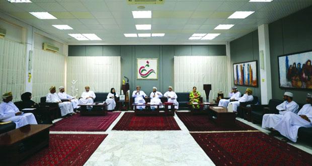 جلسة نقاشية تبرز دور السلطنة في توثيق التراث الثقافي غير المادي