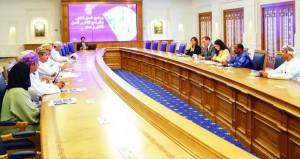 السلطنة ومنظمة العمل الدولية تستعرضان سير العمل بالبرنامج الوطني للعمل اللائق